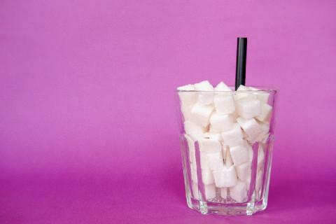 Azúcar o edulcorantes artificiales