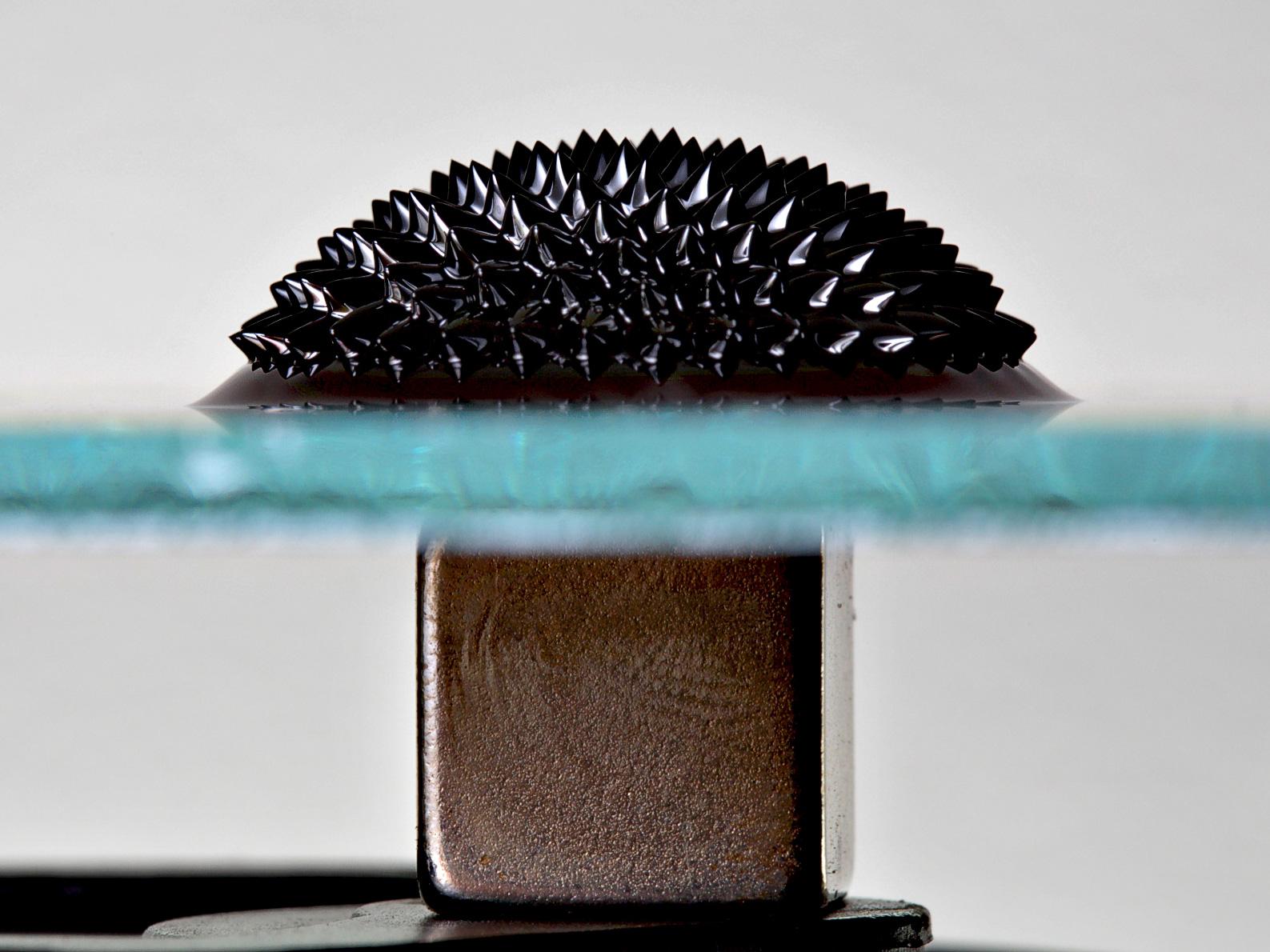 Qué son ferrofluidos