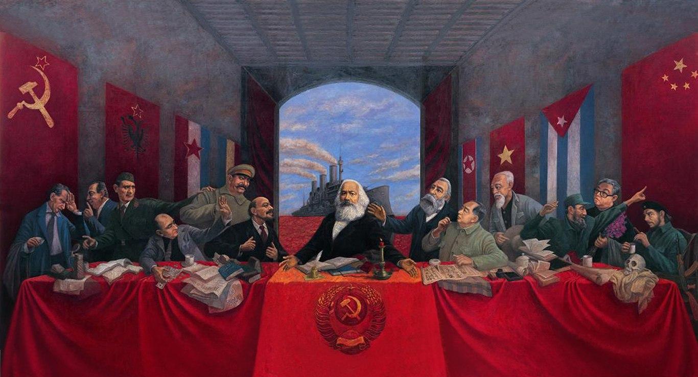 Comunismo crítica