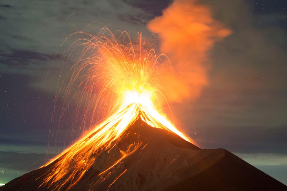 tipos erupciones volcánicas