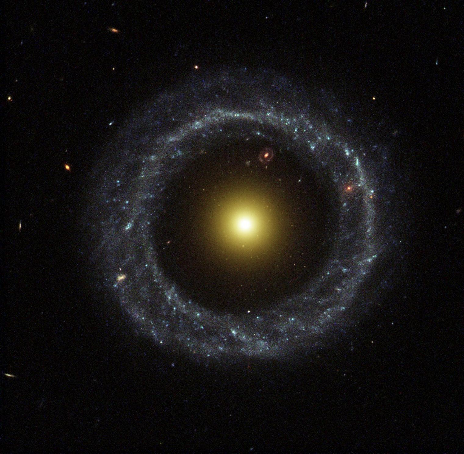 Galaxia anillo